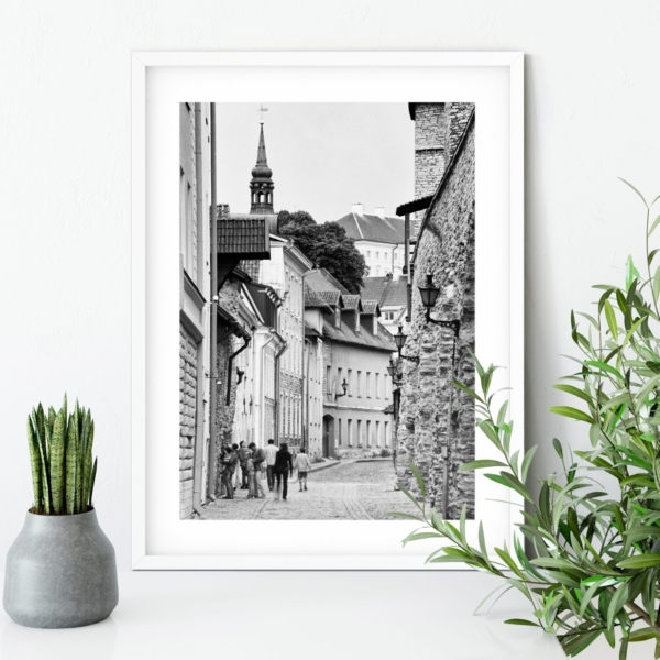 Laboratooriumi Street print in white frame on the table